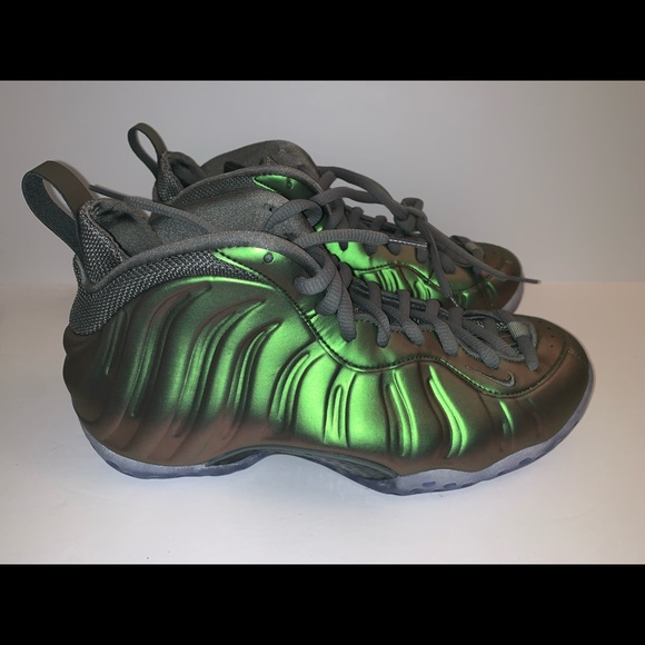 new product 59749 cd670 Nike Women Air Foamposite One Dark Stucco Green NWT